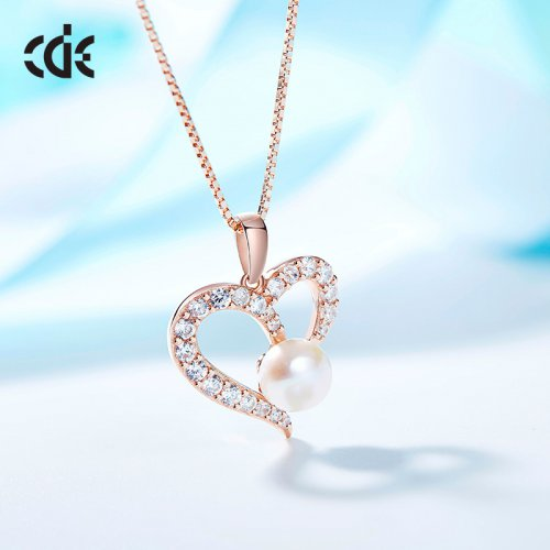 Rose Gold Heart Pendant Necklace With Pearl