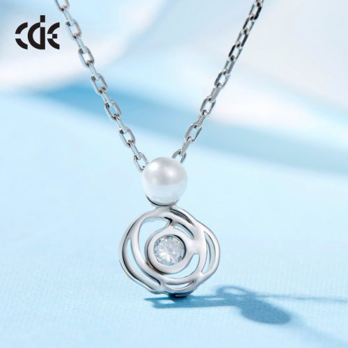 925 Sterling Silver Rose Crystal Pendant With Pearl Necklace
