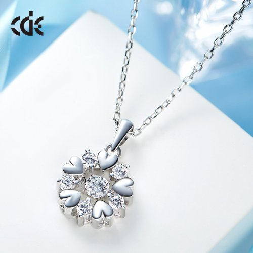 Dancing Stone | S925 Sterling Silver Snowflake Of Hearts Sparkle Pendant Necklace