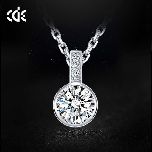 925 Sterling Silver Swarovski Solitaire Pendant Necklace