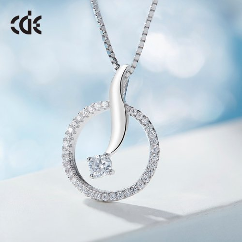 S925 Sterling Silver Dolphin In Circle Pendant Necklace